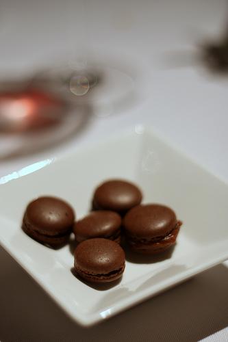 Macarons chocolat et caramel au beurre salé